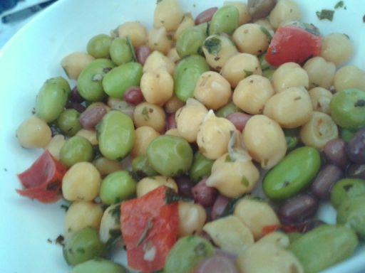 Mixed pulse salad