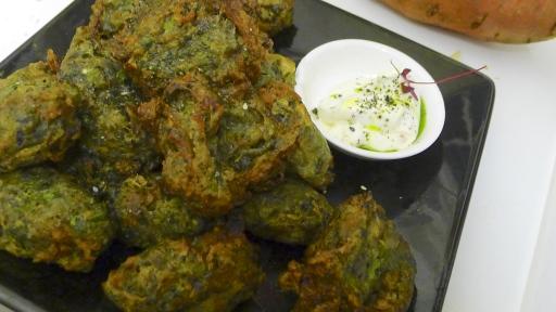 Toasted nori, thyme & aubergine accaras